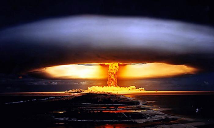 Momento en el que impacta la bomba Hiroshima.