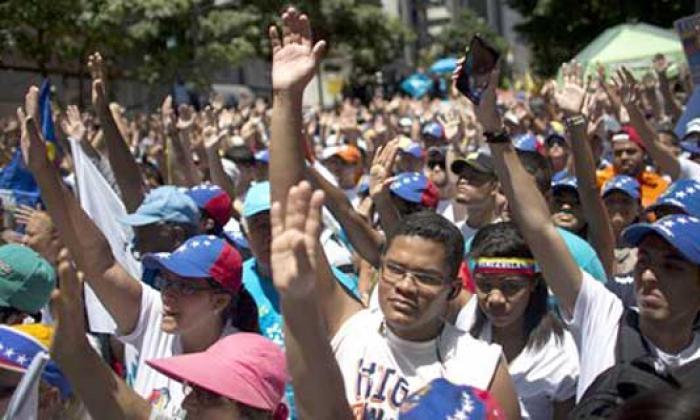 Oficialistas y opositores miden fuerzas en las calles de Caracas