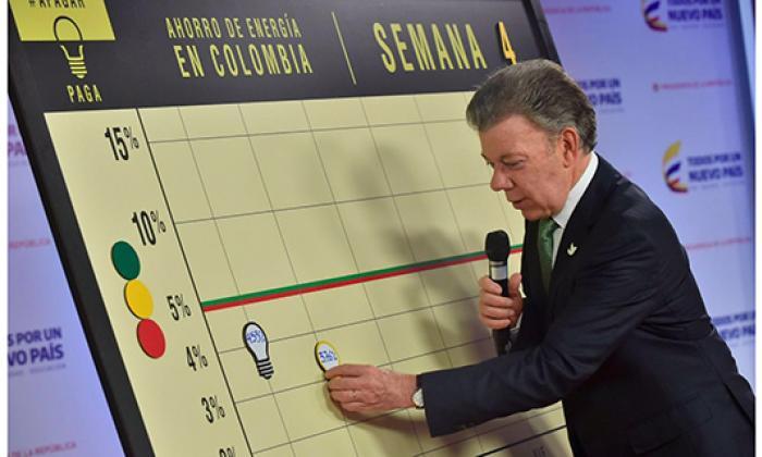 """Santos advierte que """"no se pueden permitir"""" reducciones en el ahorro"""