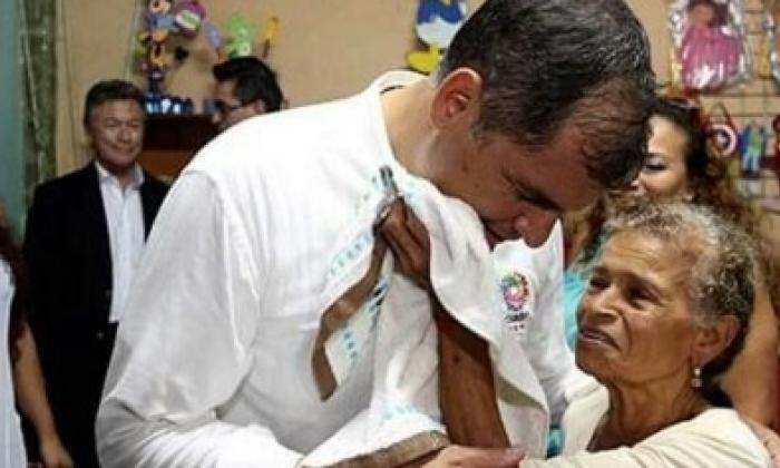 Correa anuncia visita de Juan Manuel Santos este domingo con ayuda para Ecuador
