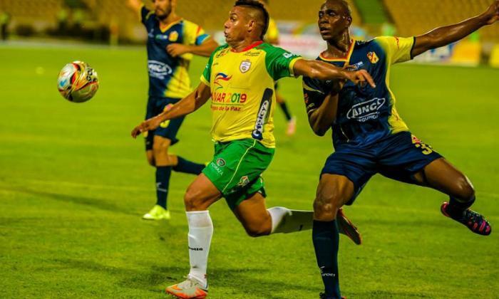 Hinchas agreden a Martín Arzuaga y a varios jugadores del Real Cartagena