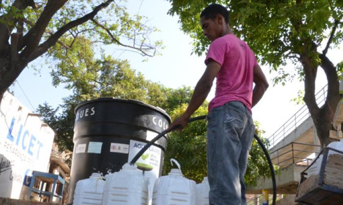 """Con un """"¡nooo, sigue!"""", samarios responden a Santos que la crisis del agua se mantiene"""