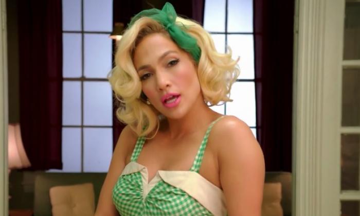 Jennifer Lopez presenta el video de 'Ain't Your Mama'