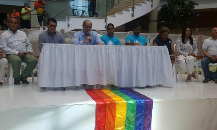 El Portal del Prado presenta excusas a gay que denunció discriminación