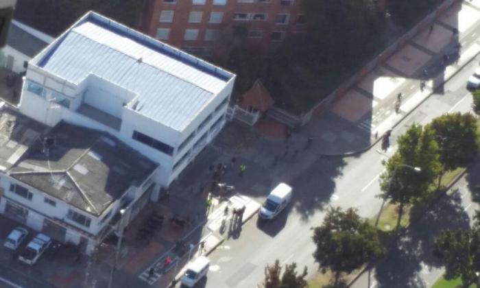 Sede de Salud Total la calle 100 con carrera 49c, donde ocurrió una de las explosiones.