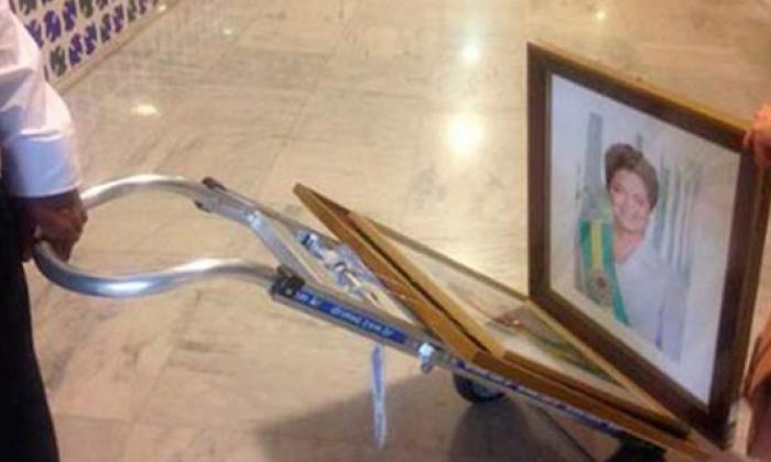 Retiran los retratos de Rousseff del palacio de Planalto tras su destitución