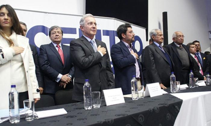 Claudia López e Iván Cepeda piden investigar financiación del No