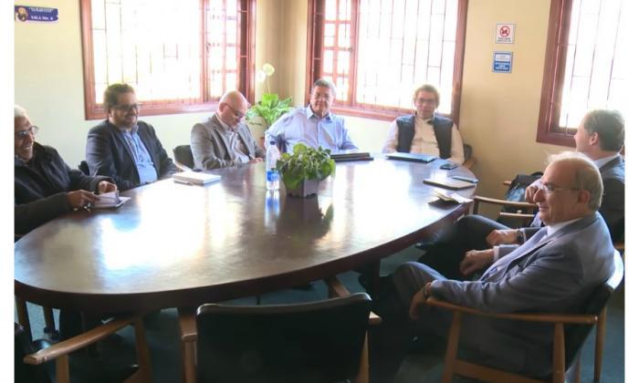 Avanza reunión entre las Farc y el Gobierno en Bogotá