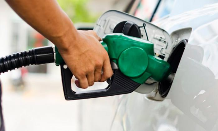 Precios de combustible afectaron a transporte en 2016