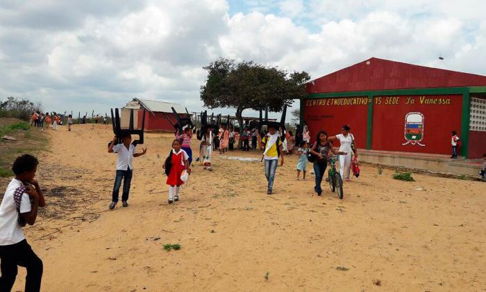 Tres colegios afectados por robos de sillas en La Guajira