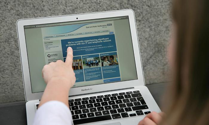 16 hospitales británicos también fueron blanco de un ciberataque