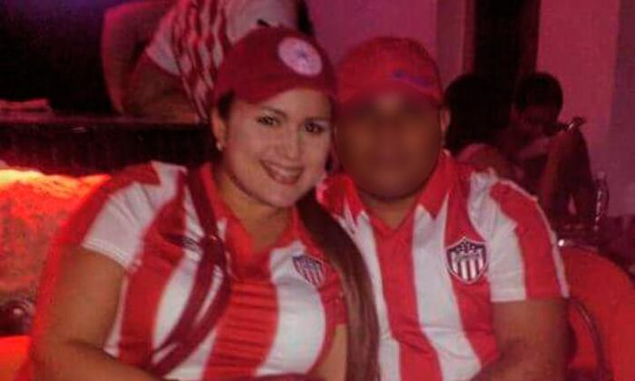 Ginna Ricardo Cantillo, presunta estafadora, capturada por agentes del CTI.