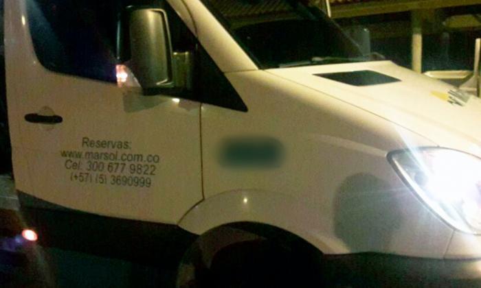 Denuncian robo masivo en van que cubría ruta Cartagena - Barranquilla