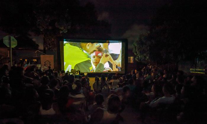 La Cinevan: una proyección bajo las estrellas para fomentar valores