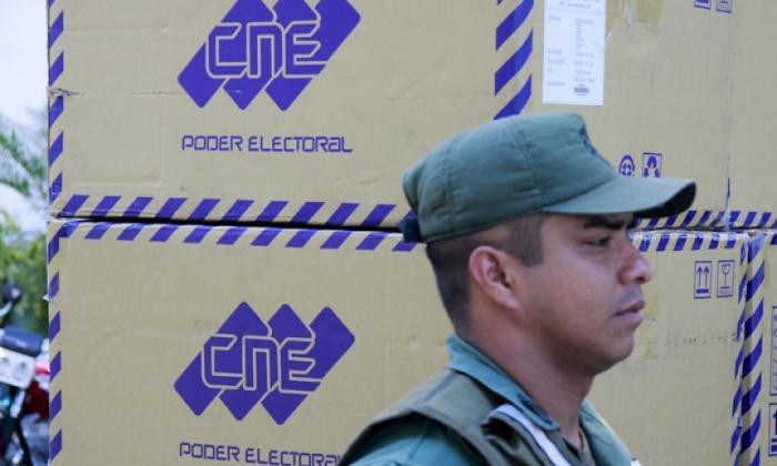 """Oposición venezolana llama a votar contra """"abusos"""" del poder electoral"""