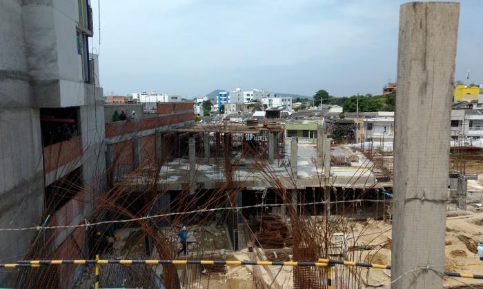 El hecho se presentó en esta construcción de un edificio en el barrio Los Alpes.