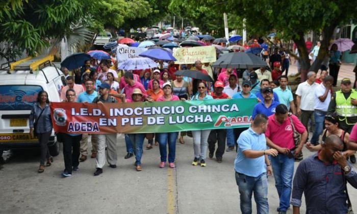 Los docentes en una de las marchas realizadas durante el paro en Barranquilla.