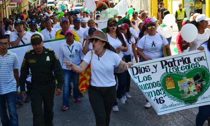 Cuatro municipios de Sucre marchan en apoyo a la Policía, tras atentados del Eln