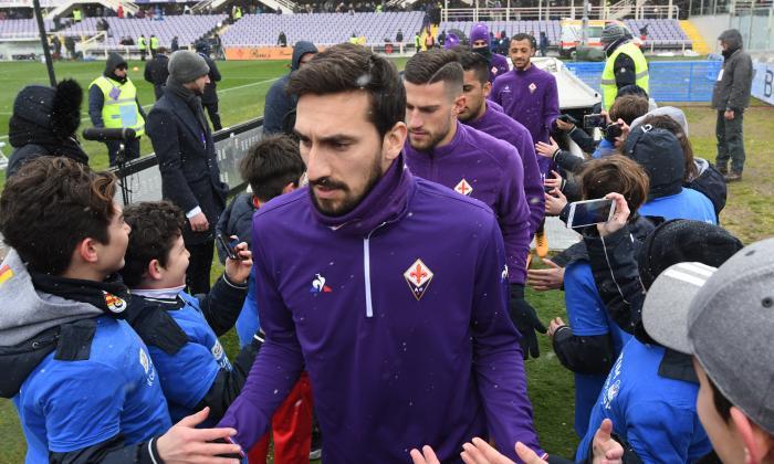 El 'calcio', de luto, por la repentina muerte del capitán Davide Astori