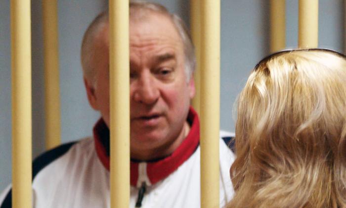 Sergei Skripal, 66 años, a una audiencia en el Tribunal Militar del Distrito de Moscú el 9 de agosto de 2006 en Moscú.