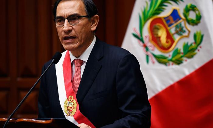 Vizcarra se juramentó como presidente de Perú