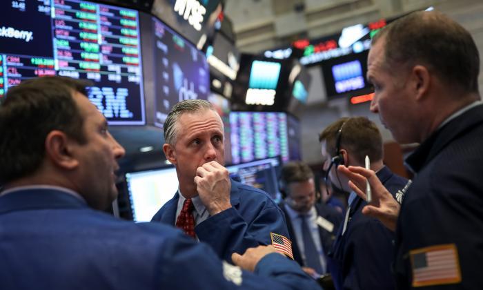 Acciones de Wall Street se desploman