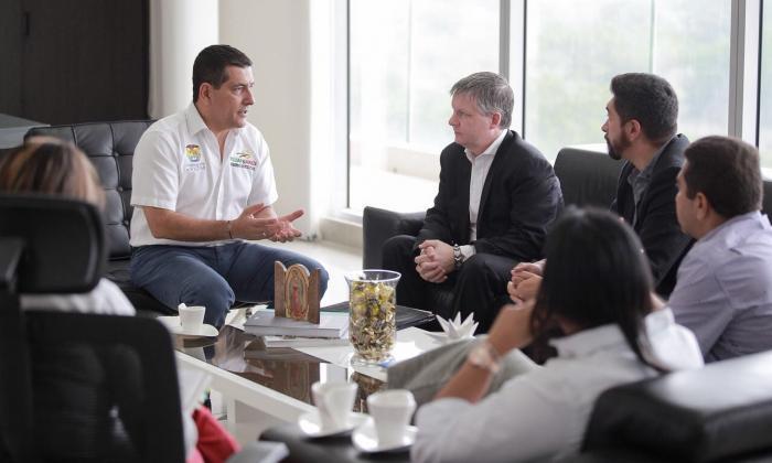 Gobernación de Bolívar busca implementar tecnologías limpias por medio de empresa canadiense
