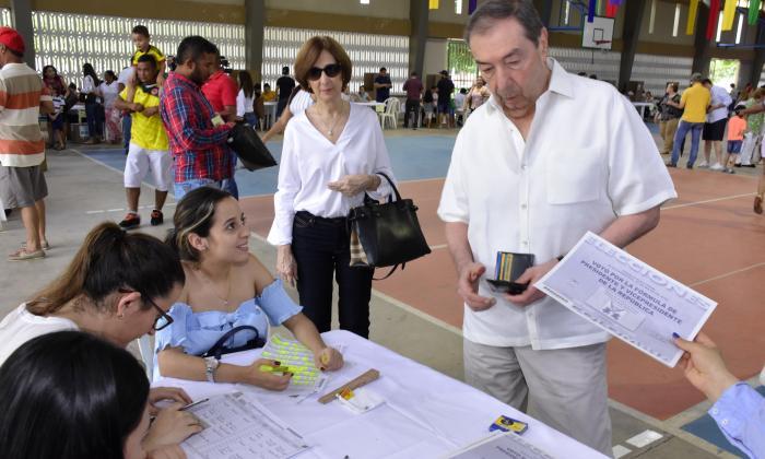 Fuad Char niega que existan ofertas por Cantillo, Chará y Teófilo