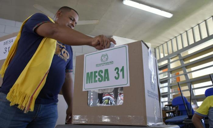A mitad de la jornada, se reportan 141 quejas por delitos electorales en el país