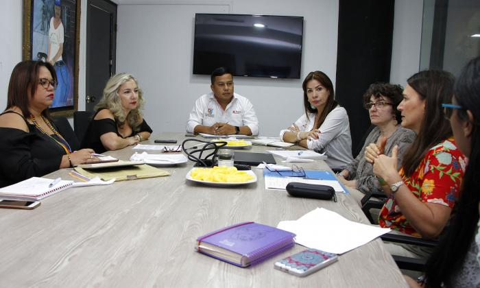 Reunión de Unicef con miembros de la Gobernación.