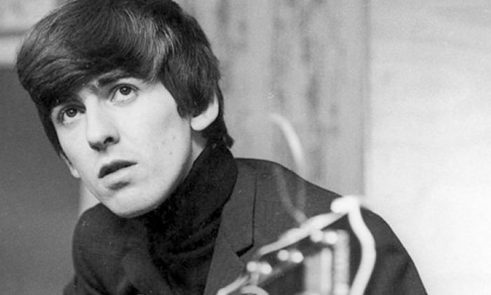 Subastarán una guitarra de George Harrison