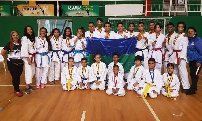 Club Isami de karate de Soledad triunfa en Bucaramanga