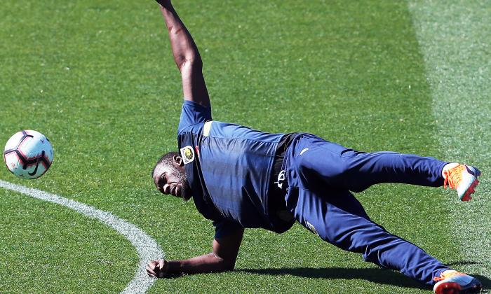 Bolt se entrena por primera vez  con el Central Coast Mariners