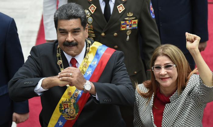 Maduro tilda de acto de cobardía sanciones de EEUU contra su esposa