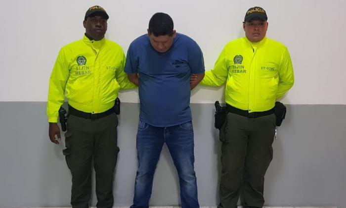 Cero y van 10: Policía vuelve a capturar a ex 'hipermegaplay' por robo de carros