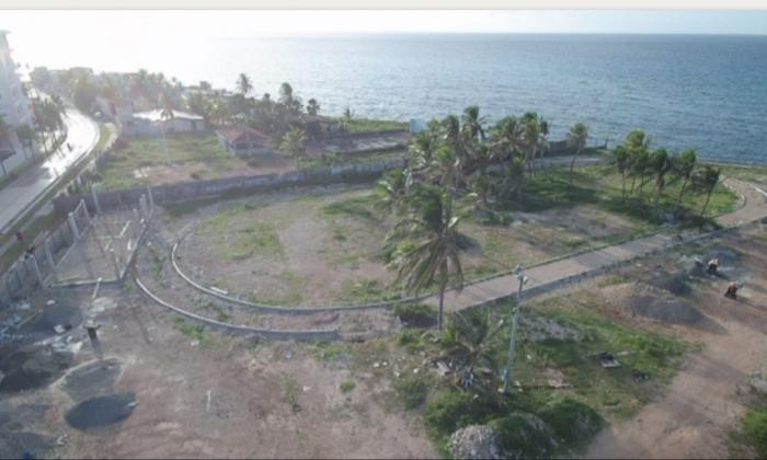 Panorámica de la zona en donde se ejecutan las obras de urbanismo del Tropical Park en Sarie Bay.