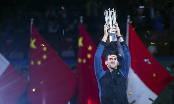 Djokovic gana el Masters 1000 de Shanghai y se acerca al N.1 del mundo