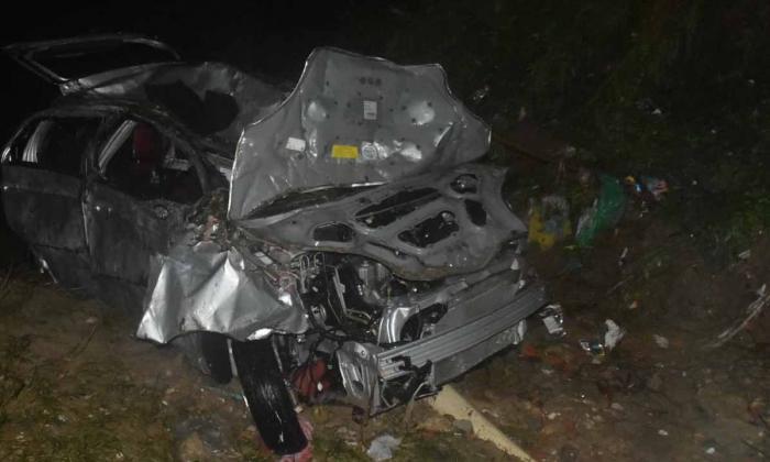 En video | Arroyo El Salao arrastra vehículo en Soledad: Madre e hija desaparecidas