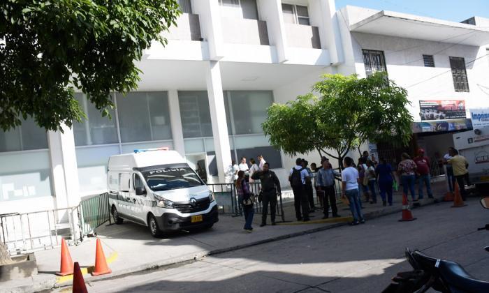 Capturan a tres abogados por presunta corrupción en procesos de demandas pensionales