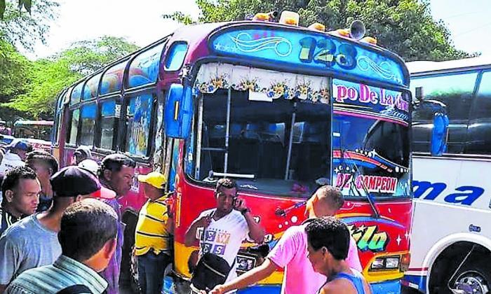 Bus intermunicipal de Cootransoriente.