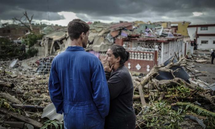 Cuatro muertos en Cuba y barrios devastados por un potente tornado