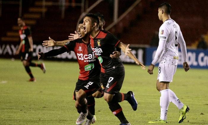Melgar celebrando su victoria ante Caracas.