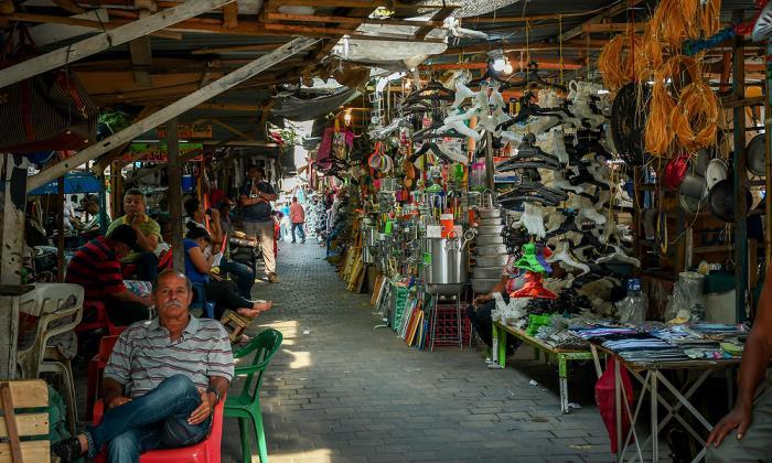 Polémica por comparendos a ventas informales en el Centro
