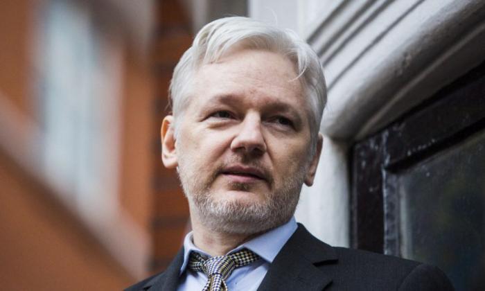 Fundador de WikiLeaks, condenado a 50 semanas de cárcel por violar libertad condicional en Londres