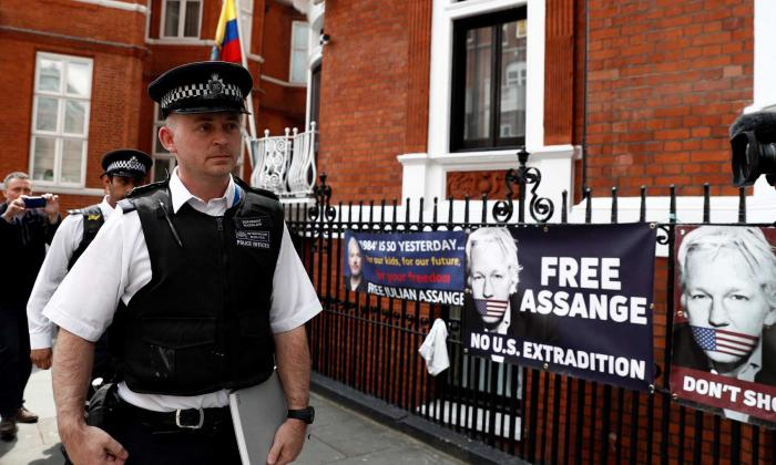 Incautan pertenencias de Assange pedidas por EEUU