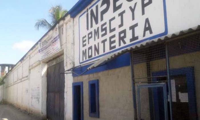 Trasladan reclusos de la cárcel Las Mercedes de Montería