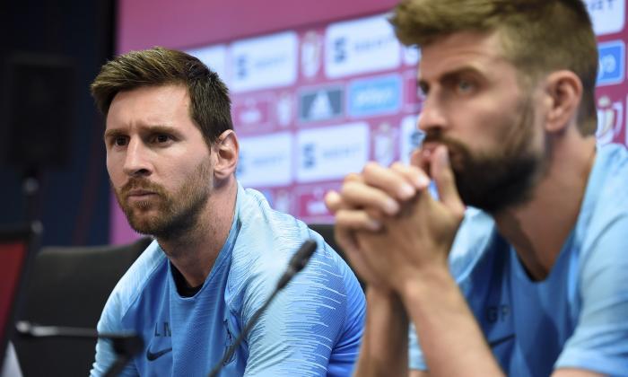 Messi y Piqué concedieron ayer una rueda de prensa.