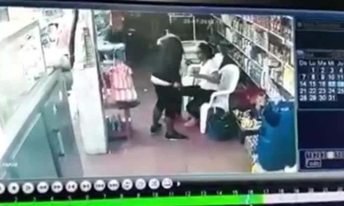 En video   De un tiro en la frente, asesinan a tendero en Las Moras