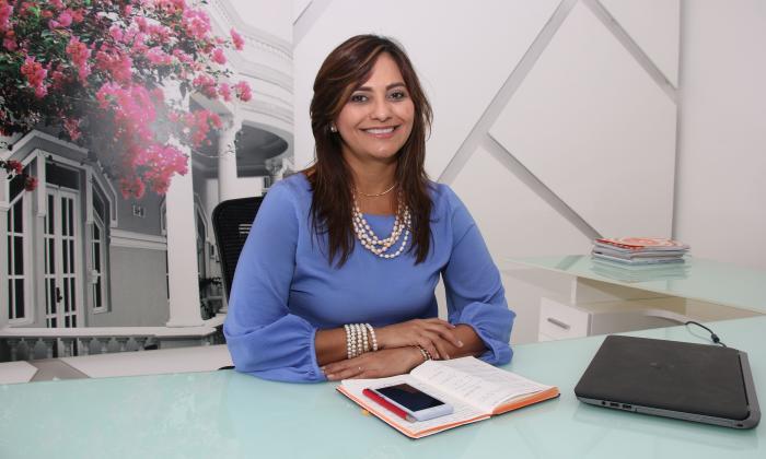 Renuncia la rectora de UAC, Claudia Da Cunha
