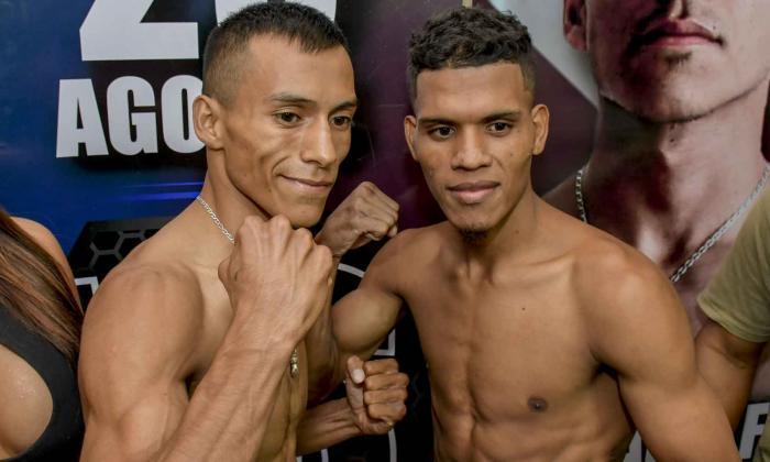 El boxeador mexicano Adolfo Castillo (izq.) junto al colombiano José Soto.